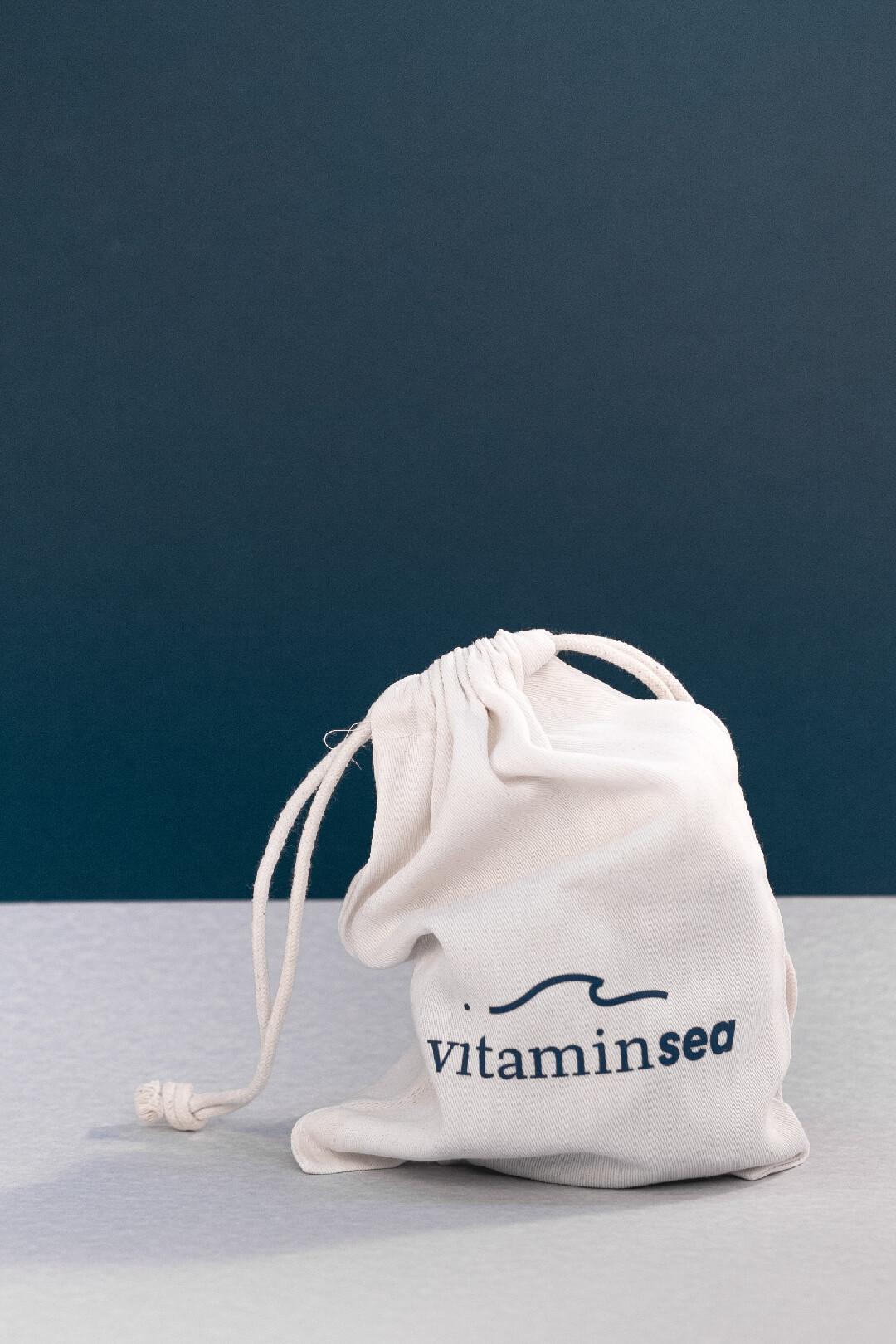 Aplicación gráfica en los diferentes elementos corporativos de la marca Vitamin Sea