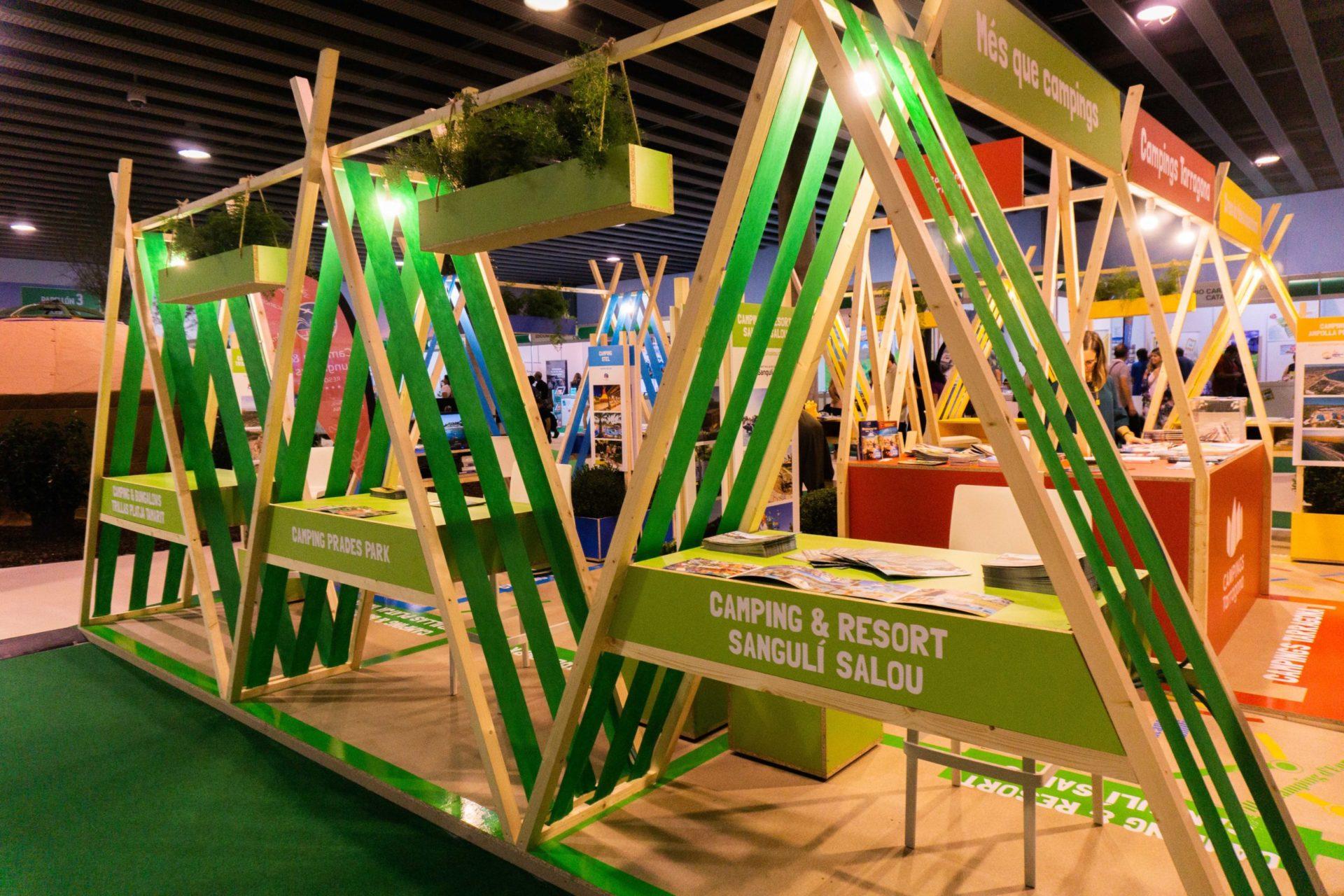 Diseño de stand efímero para feria turística